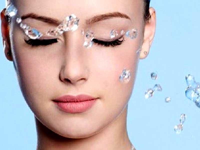 تفاوت کرم آبرسان و مرطوب کننده | روش استفاده از آبرسان صورت | بهترین زمان استفاده از آبرسان | آبرسان پوست چرب | آبرسان مناسب پوست خشک | روش تهیه ماسک خانگی