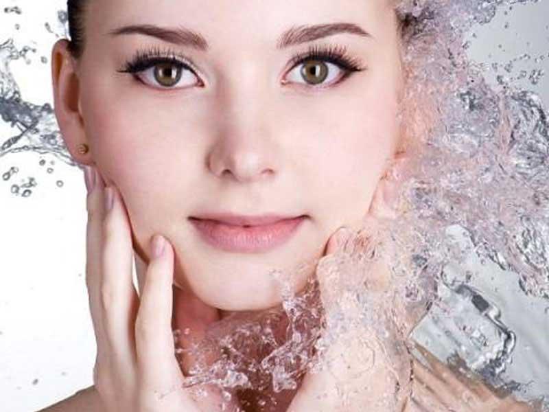 روش هایی برای ماندگاری آرایش در فصل تابستان